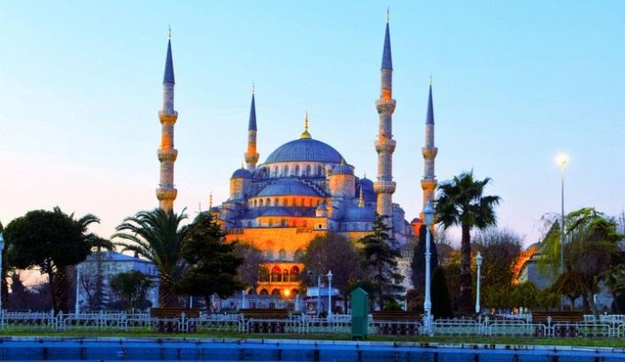 Moscheea Albastra - un important loc de vizitat in Istanbul